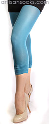 Fun Scrunched Bottom Capri Length Fashion Leggings Blue