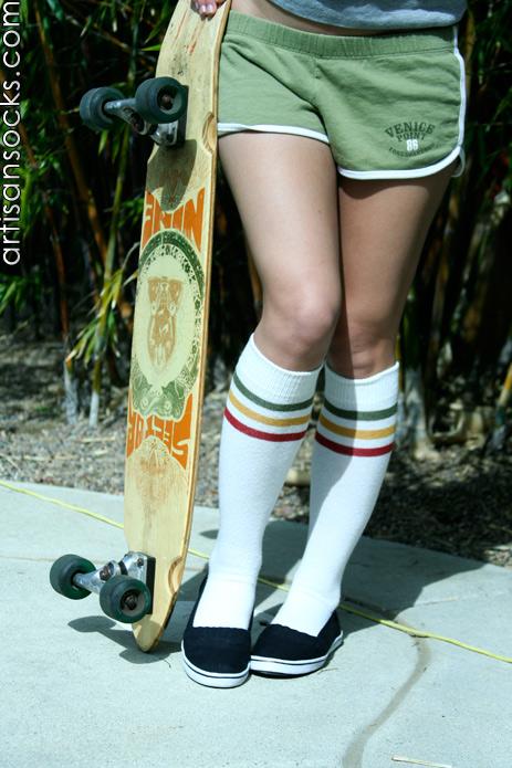 Rocknsocks Women S Go Team White Cotton Striped Knee High