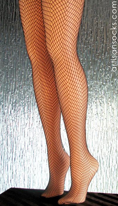 Black fishnet herring bone plus size pantyhose for Fish net tights